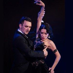 Денис Басюк преподаватель танцев