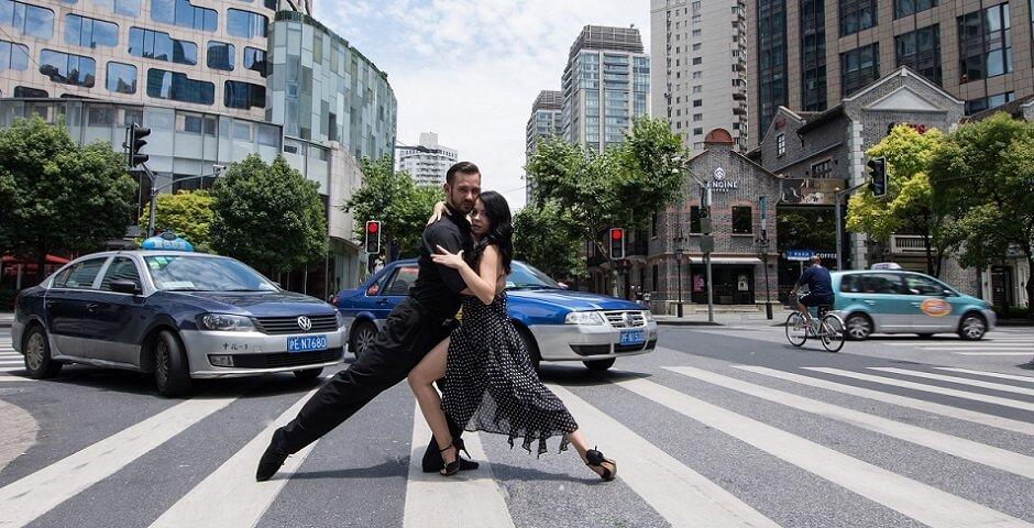 преподаватель бальных танцев Алексей Мироненко