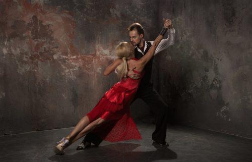 Как научиться танецевать аргентинское танго